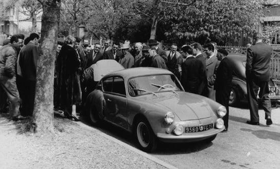 Alpine A106 à des agents Renault 1957 - Jean Rédélé