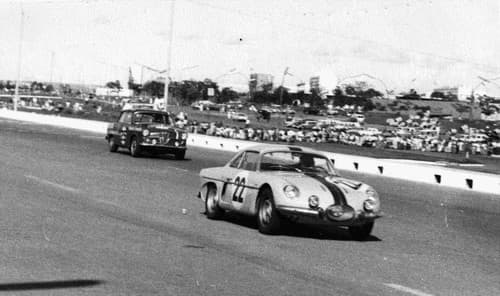 Circuit Brasilia 1964 Willys Interlagos | Overland Interlagos: l'Alpine Made in Brazil !
