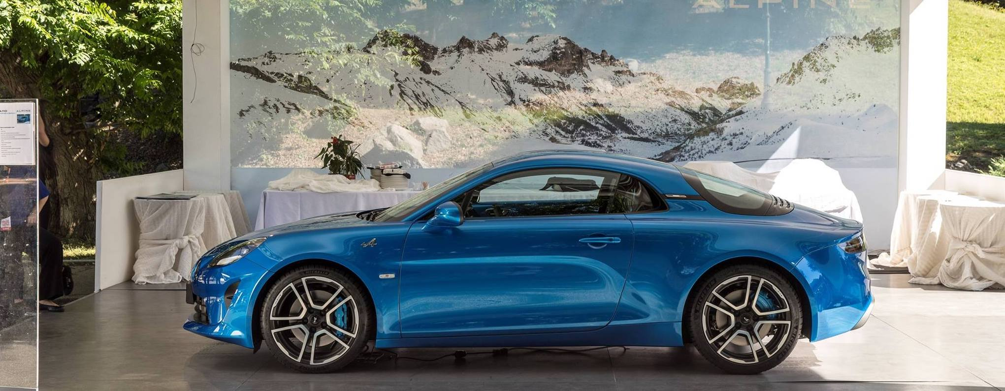 L'Alpine A110 pose au Salon de Turin !