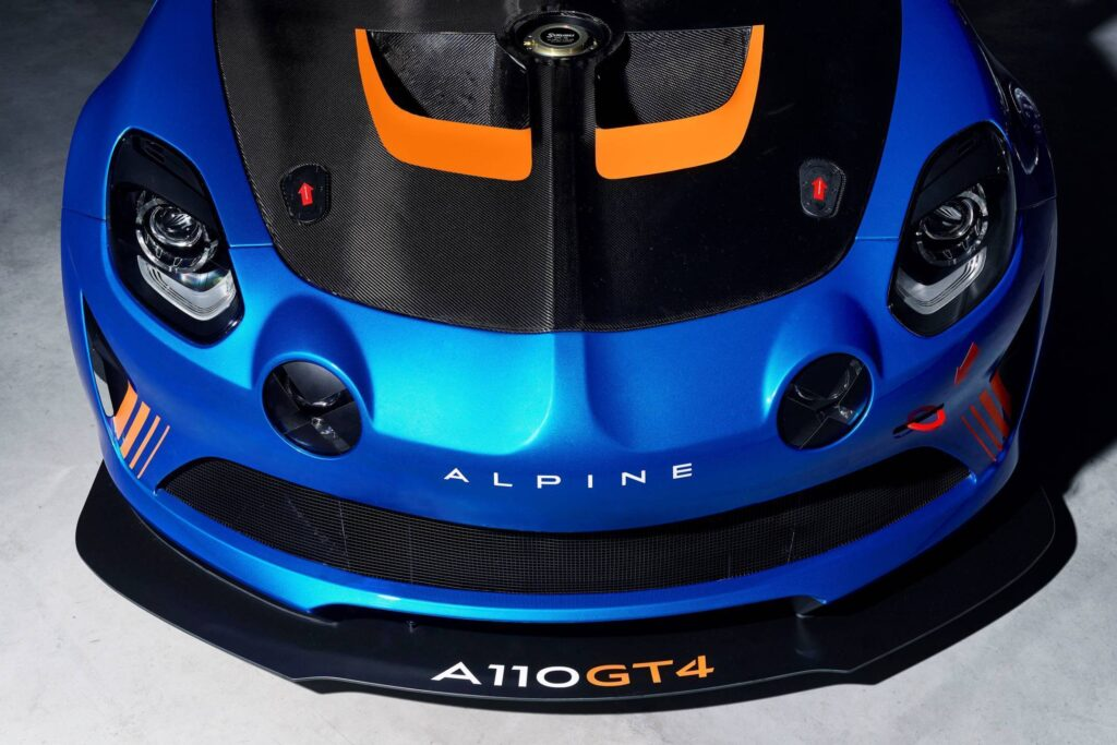 alpine planet alpine a110 gt4 son prix et sa fiche technique d voil s. Black Bedroom Furniture Sets. Home Design Ideas