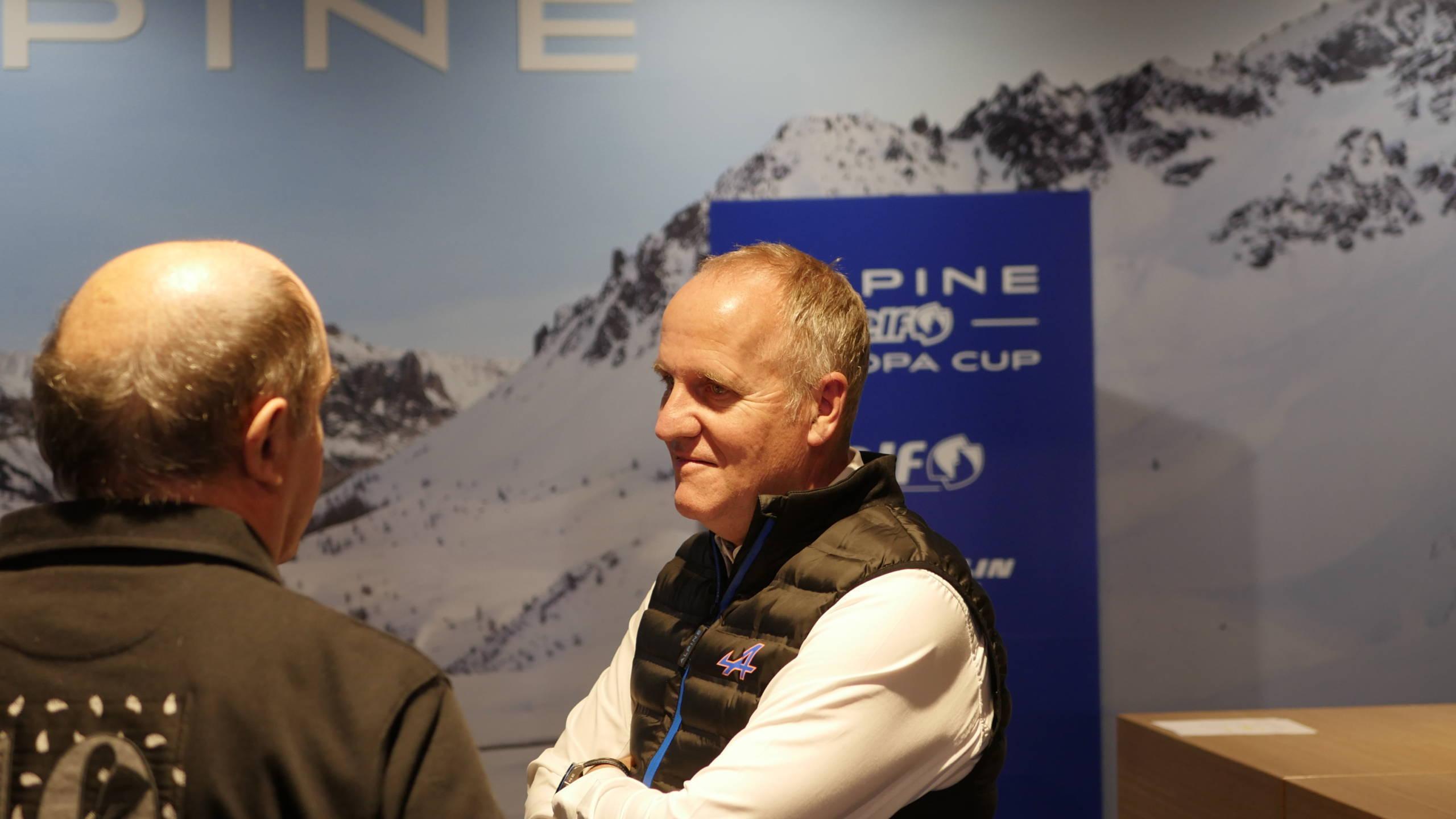 Soirée Alpine Elf Europa Cup 2018 récompense Showroom CMR 30 | Alpine Elf Europa Cup: par ici le programme 2019 !