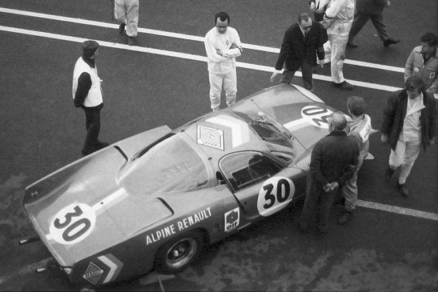 Alpine A220 30 LM68 31 | André Desaubry : Artisan des victoires Alpine en circuit.