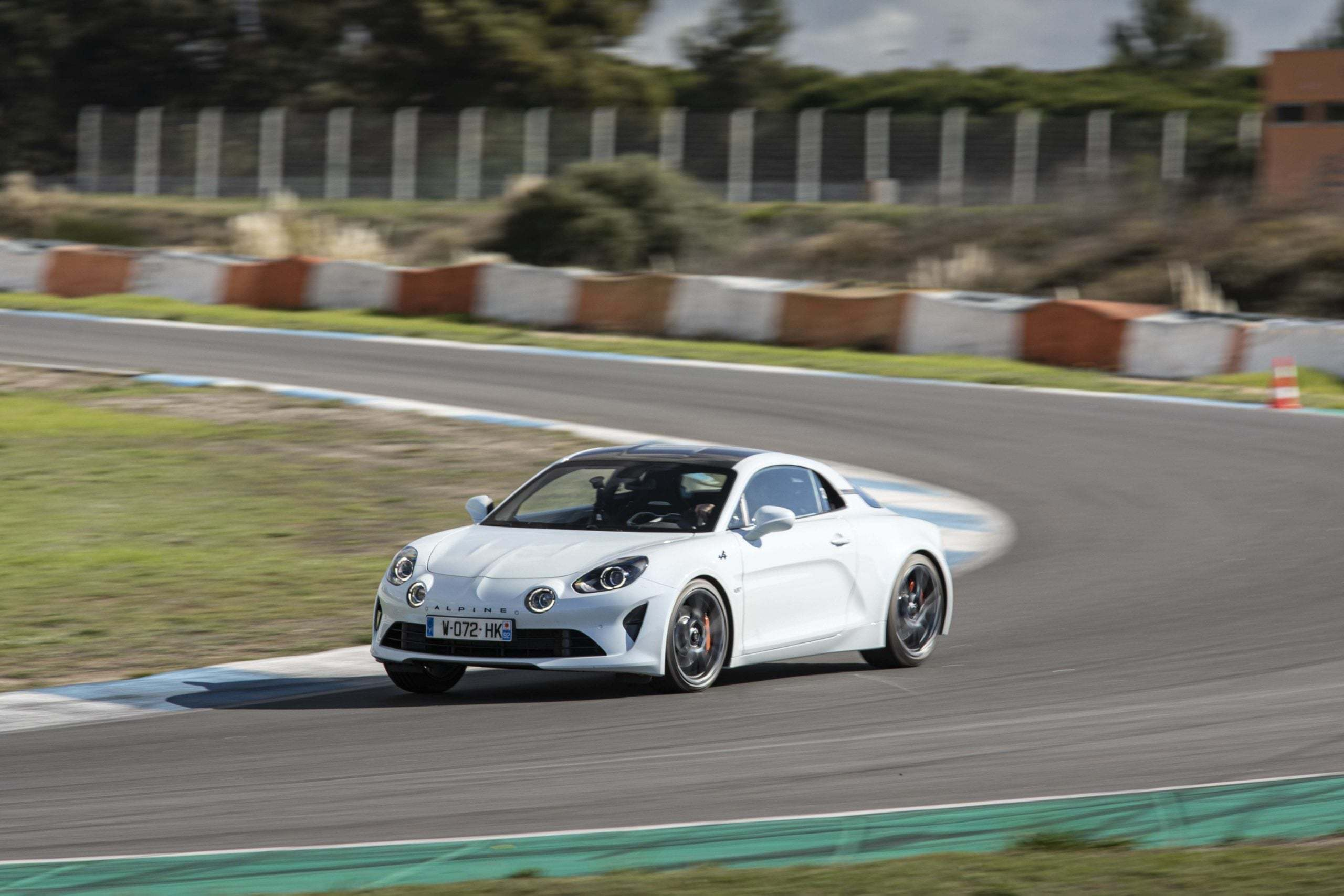 essai alpine a110s estoril 3 scaled | Essai Alpine A110S : le point sur les S