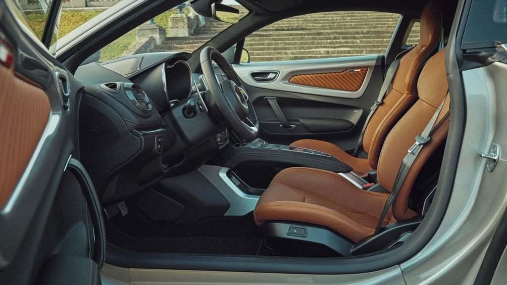 Alpine A110 Légende GT 2020 Argent Mercure 8 | Alpine A110 Légende GT:  édition limitée à 400 exemplaires