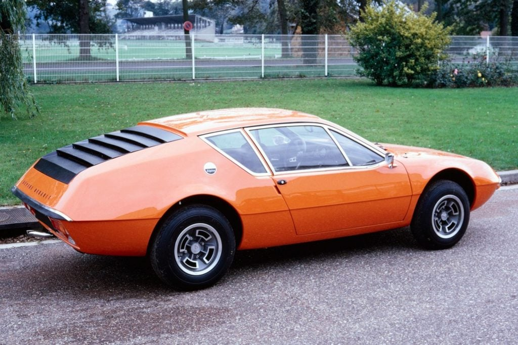 Alpine A310 4 cylindres Orange à l'usine de Dieppe