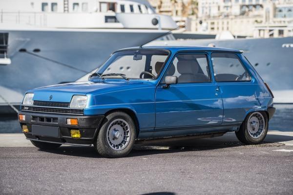 749AB945 8337 4F0E 8DDC E3A6B8D404EA | La Renault 5 Alpine : j'irai cracher sur vos GTI.