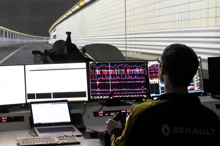 f1 usine simulateur 3 | Alpine Academy : focus sur les pilotes engagés en 2021