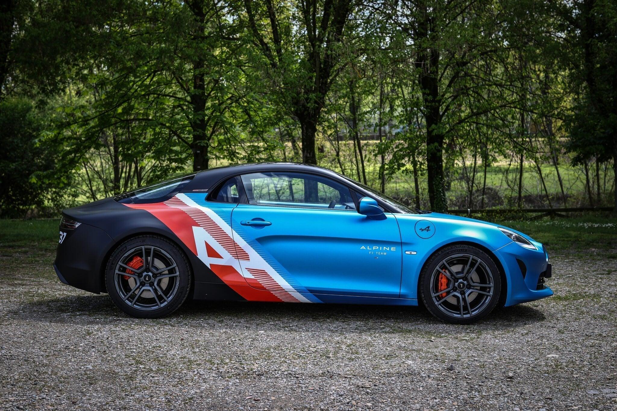 Alpine A110 Trackside Alonso Ocon 2021 11 | Alpine A110 Trackside : la berlinette aux couleurs de la F1