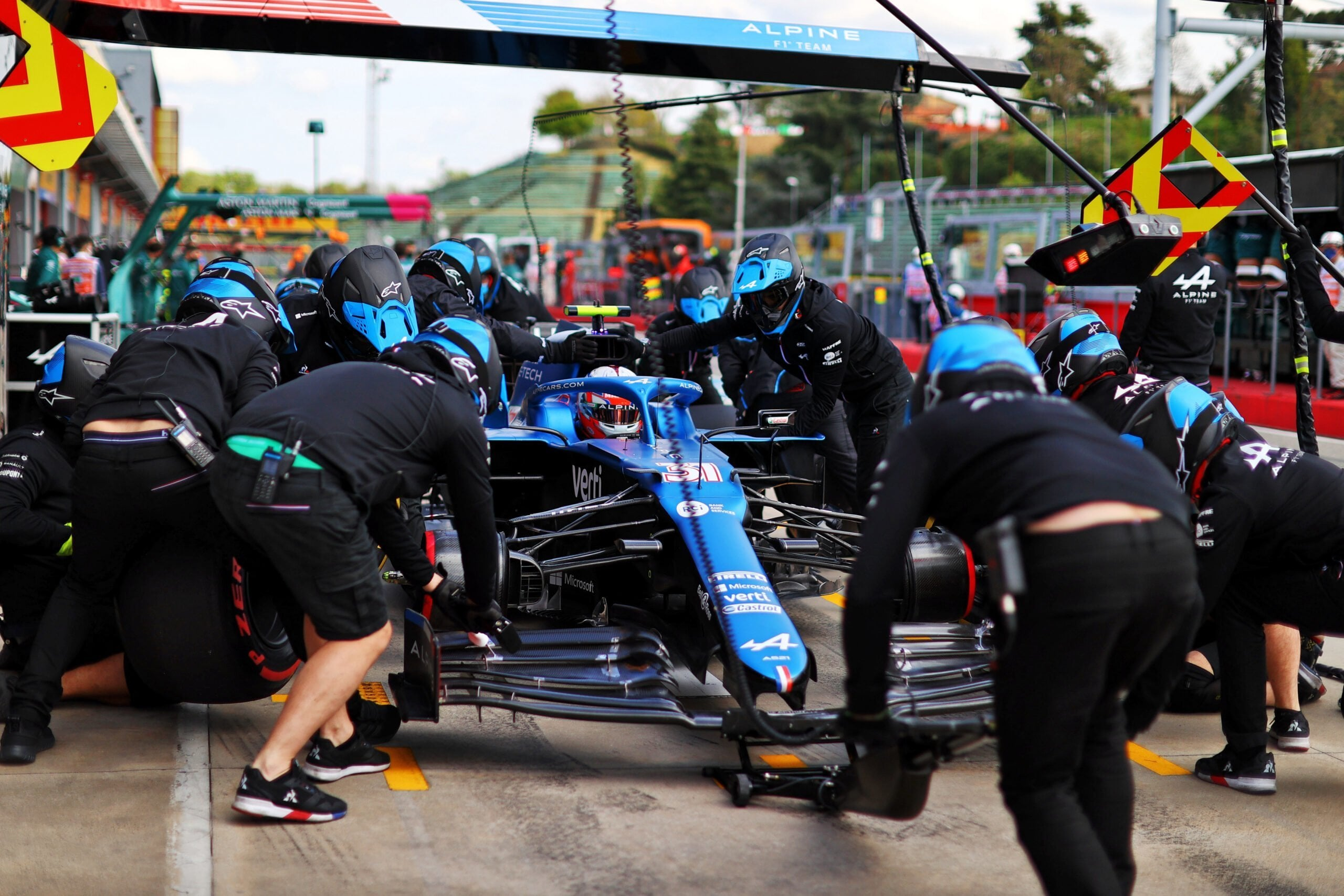 Alpine F1 Team A521 Alonso Ocon Brivio Permane Imola 2021 Test 21 scaled   Alpine F1 Team : Ocon en Q3 et Alonso en Q2 au GP d'Emilie Romagne