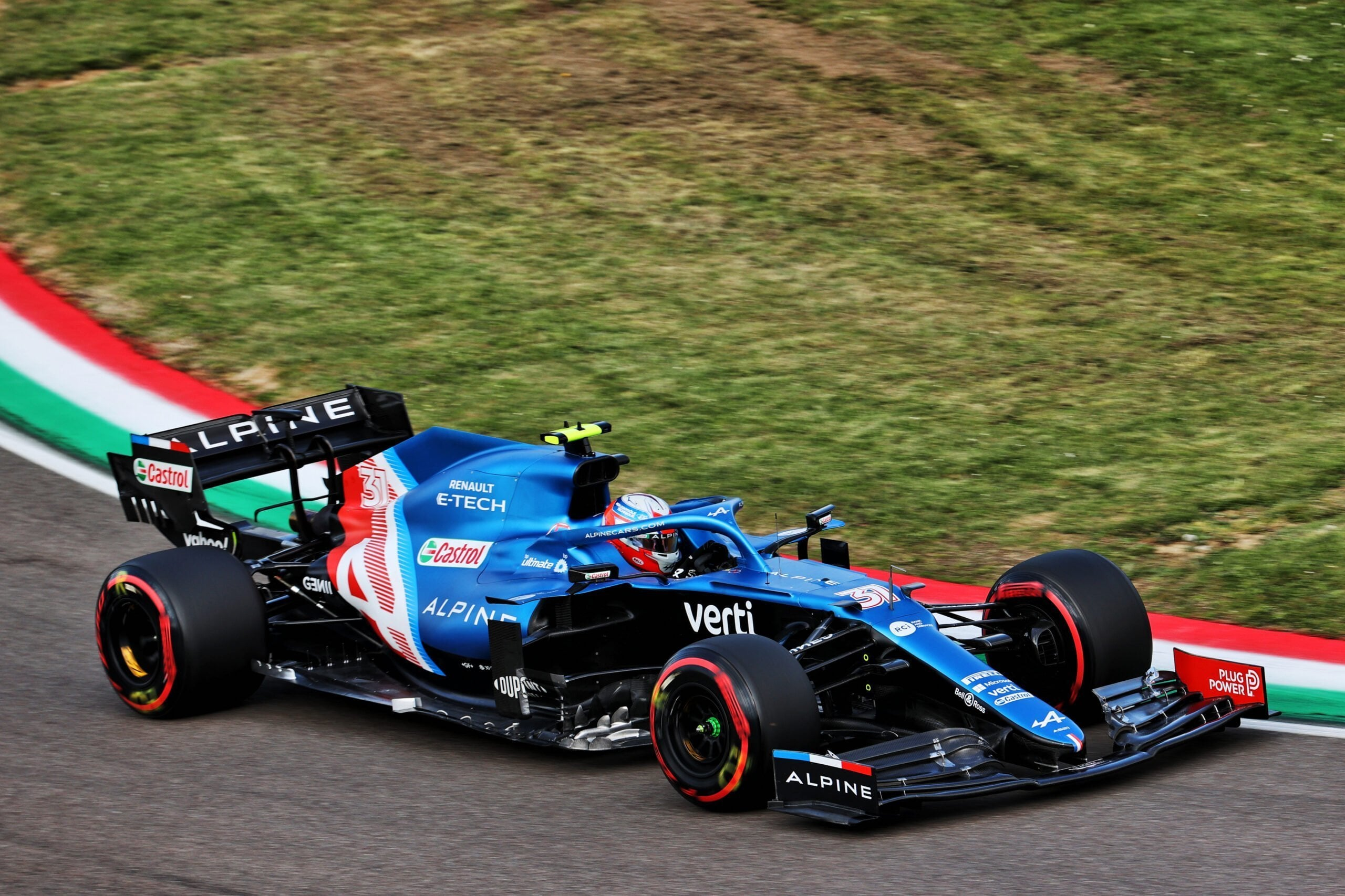 Alpine F1 Team A521 Alonso Ocon Brivio Permane Imola 2021 Test 7 scaled   Alpine F1 Team en milieu de peloton aux essais à Imola