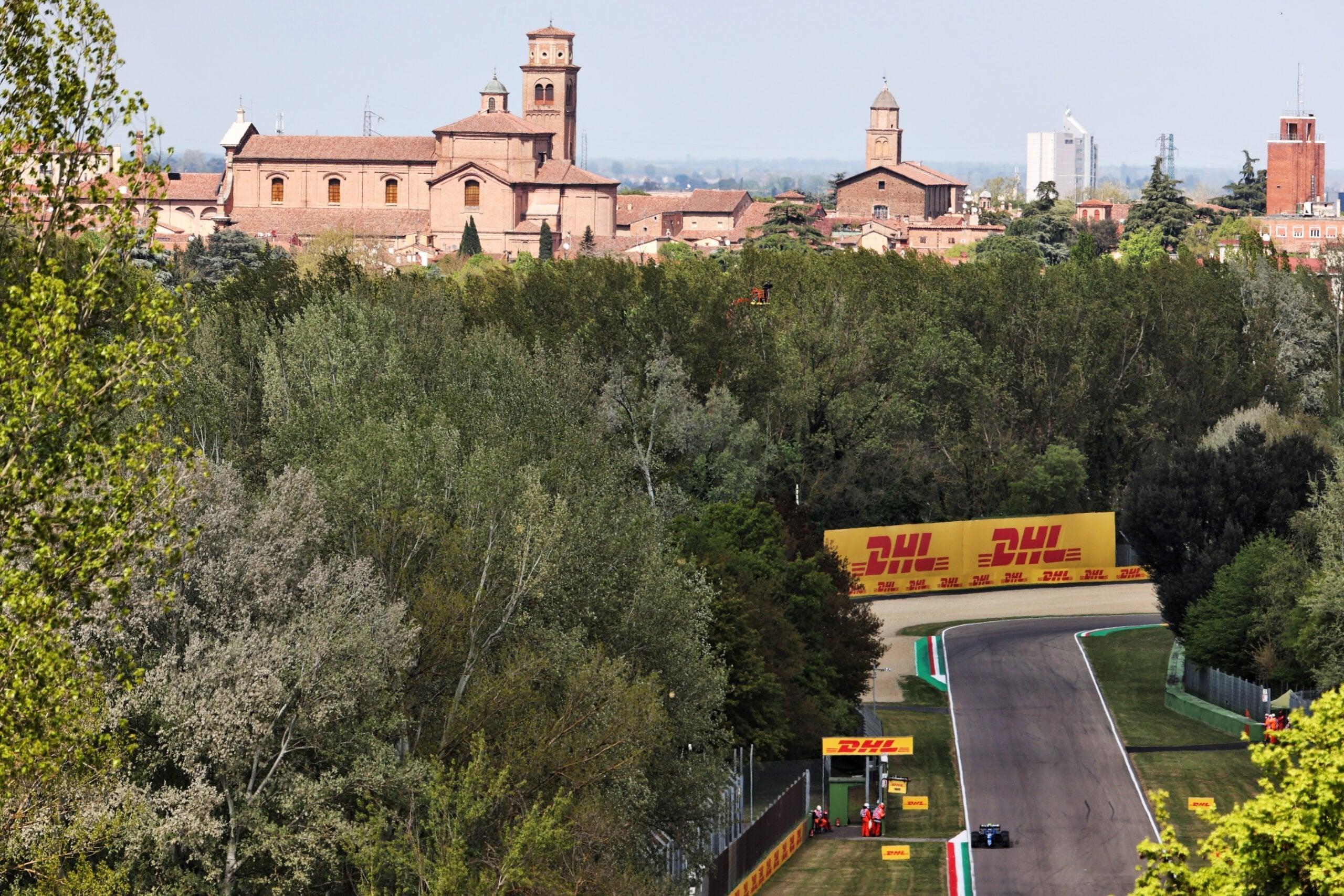 Alpine F1 Team A521 Alonso Ocon Brivio Permane Imola 2021 Test 8 scaled   Alpine F1 Team : Ocon en Q3 et Alonso en Q2 au GP d'Emilie Romagne