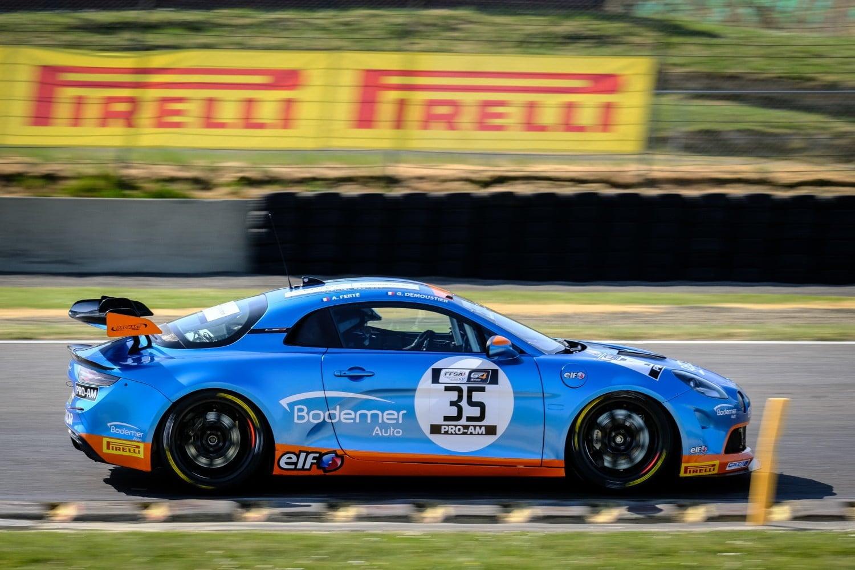 Bodemer Alpine A110 GT4 Redele Coubard 2 | Alpine A110 GT4 : Victoire de Castelli et Wallgrenn pour les Coupes de Pâques à Nogaro