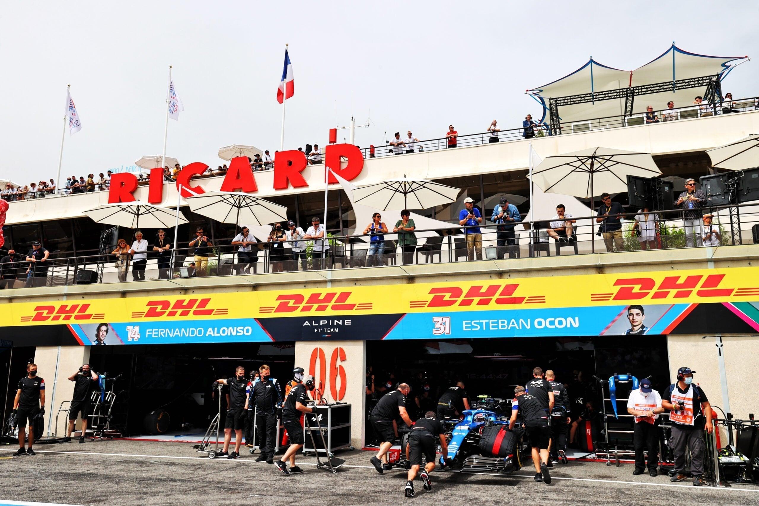 Alpine F1 Team A521 Alonso Ocon Castellet GP FRance 2021 1 scaled   Alpine F1 : Alonso entre en Q3, Ocon bloque en Q2 au Grand-Prix de France