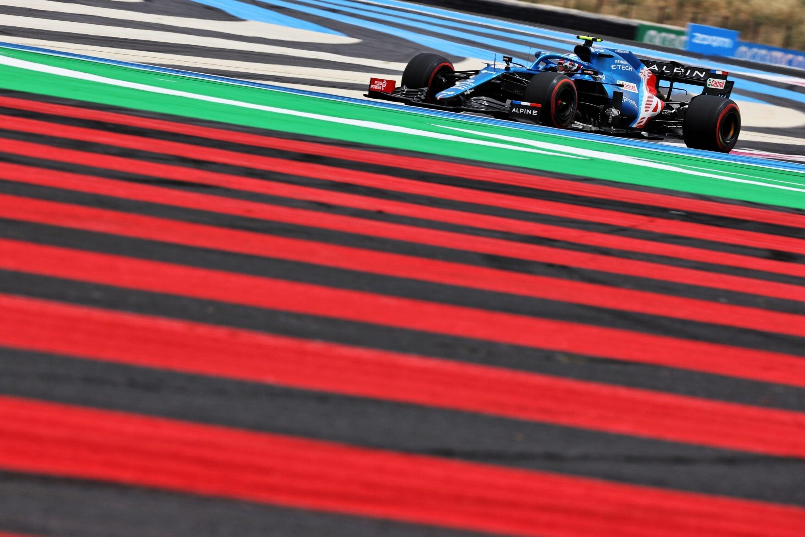 Alpine F1 Team A521 Alonso Ocon Castellet GP FRance 2021 3 scaled   Alpine F1 : Alonso entre en Q3, Ocon bloque en Q2 au Grand-Prix de France