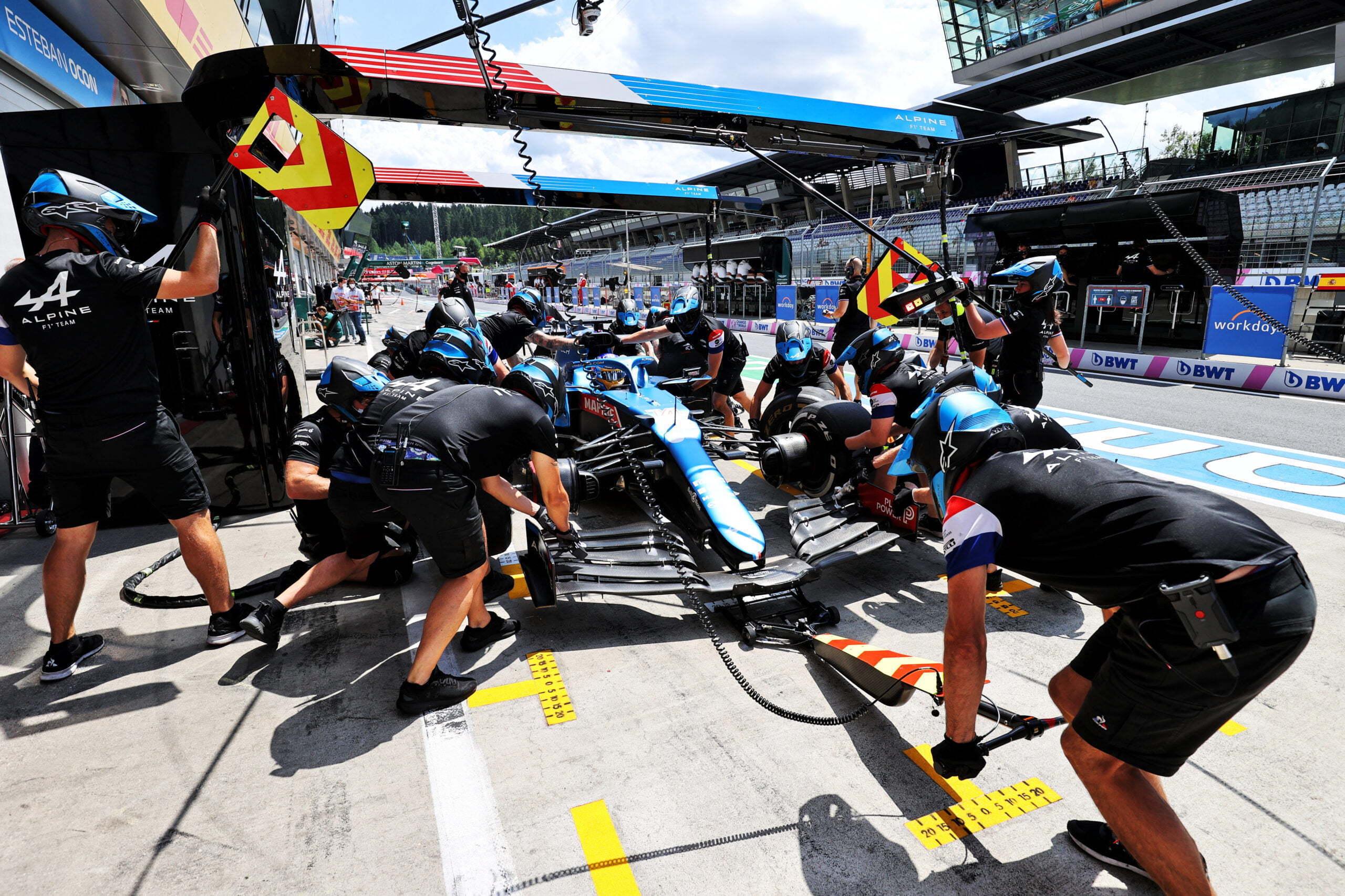 Alpine F1 Team Alonso Ocon Autriche Steiermark Grand Prix Spielberg A521 2021 23 scaled   Alpine F1 : Alonso réitère la Q3 et Ocon trébuche en Q1 à Spielberg